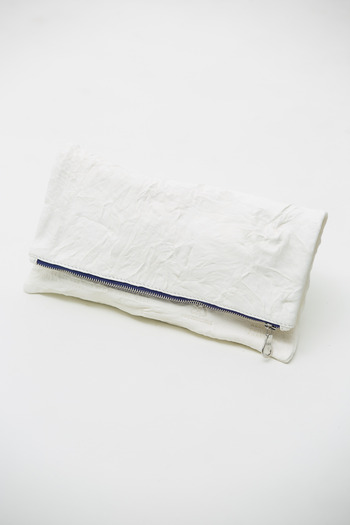 Cast of Vices - White Recycle Clutch
