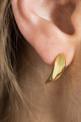 Made Her Think Medium Yellow Gold Claw Post Earrings
