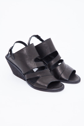 LD Tuttle The Forward Sandal